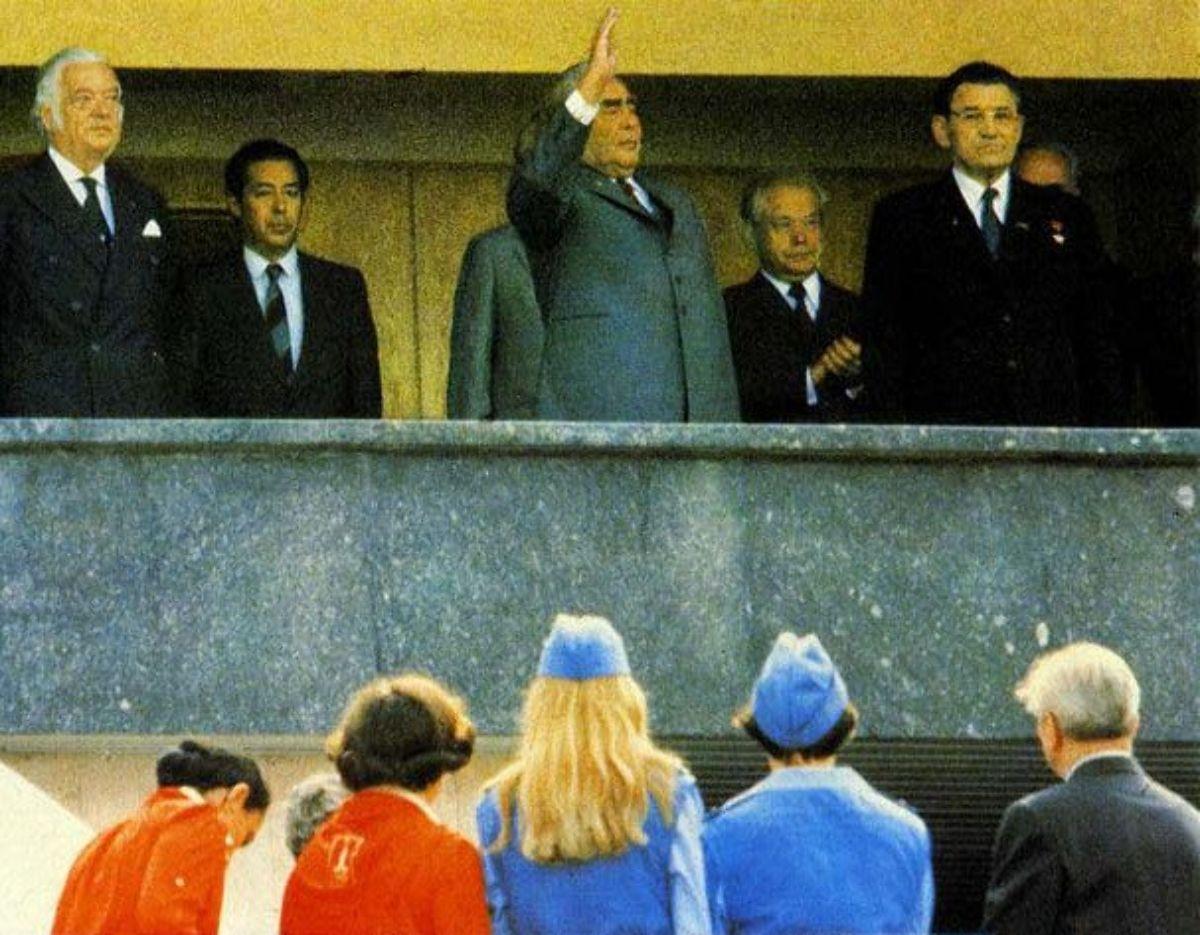 Что хорошего случилось в эпоху Брежнева? / Назад в СССР / Back in USSR